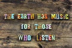 Ziemska muzyczna piosenka słucha cieszy się typografię fotografia stock