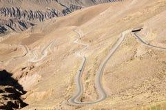 Zig Zag -Landstraße 52 nach Chile - Jujuy - Argentinien lizenzfreie stockfotos