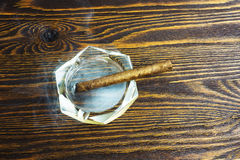 Zigarrenrauch Lizenzfreie Stockbilder