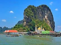 Zigensk by för muslimskt hav, Phang Nga fjärd, Thailand Arkivfoto