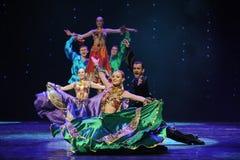 Zigensk Österrike för Husvagn-zigenare festivaldans- dans för värld Royaltyfri Foto