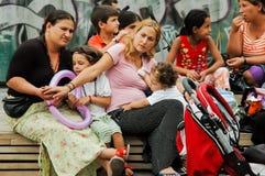 Zigeunerfamilie bei Monasthraki Quadrat, Athen Lizenzfreie Stockfotografie
