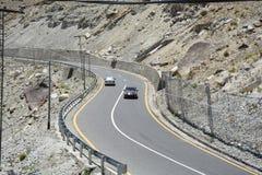 Zigzag de la carretera de asfalto imágenes de archivo libres de regalías