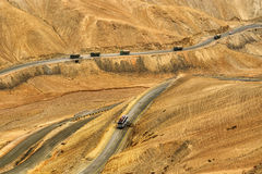 Zigzagweg, de Weg van Leh Srinagar, Ladakh, Jammu en Kashmir, India Royalty-vrije Stock Afbeelding