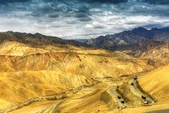 Zigzagweg, de Weg van Leh Srinagar, Ladakh, Jammu en Kashmir, India Stock Fotografie