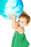 Zij heeft de gehele wereld in haar handen Stock Fotografie