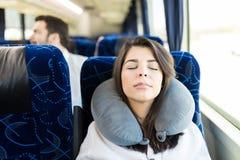Zij viel In slaap in de Bus royalty-vrije stock afbeeldingen