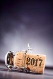 Zijaanzicht over cork met de tekst van 2017 op het Royalty-vrije Stock Afbeelding