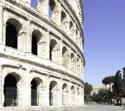Zijaanzicht van Colosseum-coliseum in Rome Italië stock foto