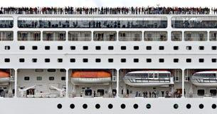 Zijaanzicht van een kruis-schip Stock Afbeeldingen