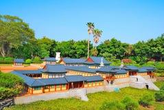 Zijaanzicht van tempelarchitectuur stock afbeeldingen