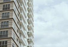 Zijflatgebouw met koopflats Royalty-vrije Stock Foto