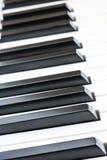 Zijhoekmening van pianosleutels, ondiepe diepte van gebied Stock Foto's