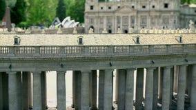 Zijpijlers van St Peterï ¿ ½ ï ¿ ½ ï ¿ ½ s Kathedraal in de Stad van Vatikaan stock footage