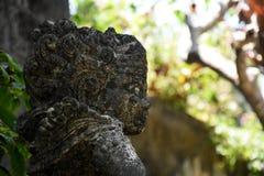 Zijportret van oud steenstandbeeld of beeldhouwwerk Royalty-vrije Stock Foto