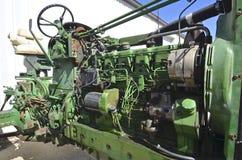 Zijprofiel van een hoodless tractor Royalty-vrije Stock Foto's