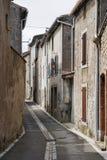 Zijstraat in Lagrasse Frankrijk Stock Afbeeldingen
