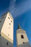 Zilina slovakisk republik, kyrka av den heliga Treenighet två torn Royaltyfri Fotografi