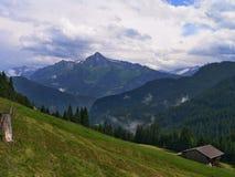 Zillertaler路的奥地利阿尔卑斯外型 免版税图库摄影