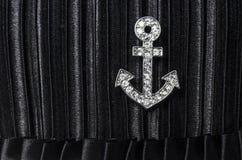 Zilver op een zwarte wordt verankerd die stock fotografie