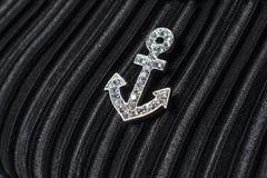 Zilver op een zwarte wordt verankerd die royalty-vrije stock foto