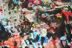 Zilverachtige donkere kleurrijke wasachtige vage kleuren, contrasten, wasachtige creatieve achtergrond Stock Foto