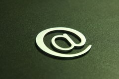 Zilveren 3D e-mailteken Stock Afbeelding