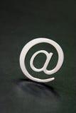 Zilveren 3D e-mailteken Royalty-vrije Stock Afbeeldingen