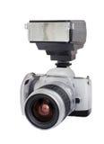 Zilveren analoge die camera met lens en flits op een witte achtergrond wordt geïsoleerd Royalty-vrije Stock Foto's