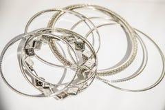 Zilveren Armbanden Royalty-vrije Stock Fotografie