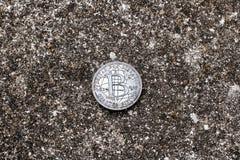 Zilveren Bitcoin-muntstuk Royalty-vrije Stock Afbeeldingen