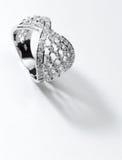 Zilveren diamantring Royalty-vrije Stock Afbeeldingen