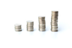 Zilveren die muntstukken op witte achtergrond worden geïsoleerd Royalty-vrije Stock Fotografie