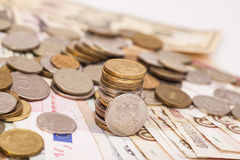 Zilveren en gouden muntstukken Royalty-vrije Stock Foto's