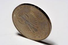 Zilveren euro muntstuk 10 op de lijst Stock Foto