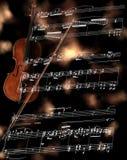 Zilveren fluit op een muziekscore Stock Foto