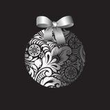 Zilveren Kerstmisbal met een ijzig de winterpatroon Royalty-vrije Stock Afbeeldingen