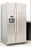 Zilveren koelkast Royalty-vrije Stock Afbeelding