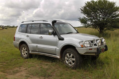 Zilveren Mitsubishi Pajero DHD stock afbeelding
