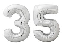 Zilveren nummer 35 vijfendertig gemaakt van opblaasbare die ballon op wit wordt geïsoleerd Royalty-vrije Stock Afbeeldingen