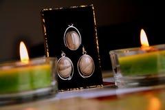Zilveren geplaatste oorringen Royalty-vrije Stock Foto