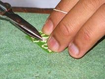 Zilveren Oorrings Met de hand gemaakt Proces Royalty-vrije Stock Fotografie
