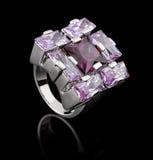 Zilveren ring met brilliants royalty-vrije stock fotografie