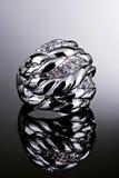 Zilveren ring met diamanten Royalty-vrije Stock Afbeeldingen