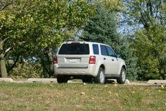 Zilveren SUV Stock Fotografie