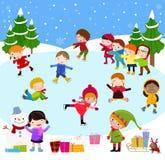 Zim dzieci bawić się Fotografia Royalty Free