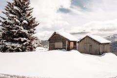 Zima dolomitów kabiny las Fotografia Stock