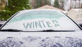 Zima i samochód Zdjęcia Stock