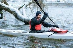 Zima kayaking na rzece w Ukraina 05 Obrazy Stock