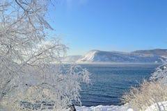 Zima krajobraz na jeziornym Baikal, Syberia, Rosja Obraz Royalty Free